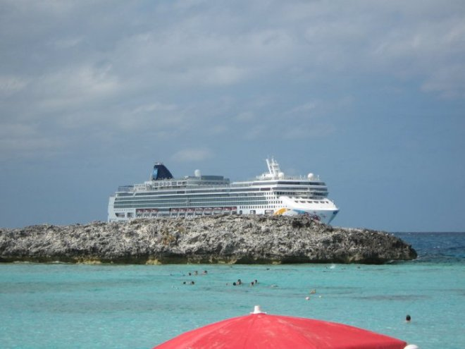 NCL Pearl anchored at Great Stirrup Cay 2009