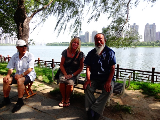 Just had to take the opportunity to have my pic taken with these Chinese men. So sweet...gave them something to talk about! Chinese LOVE Canadians and Canada :)
